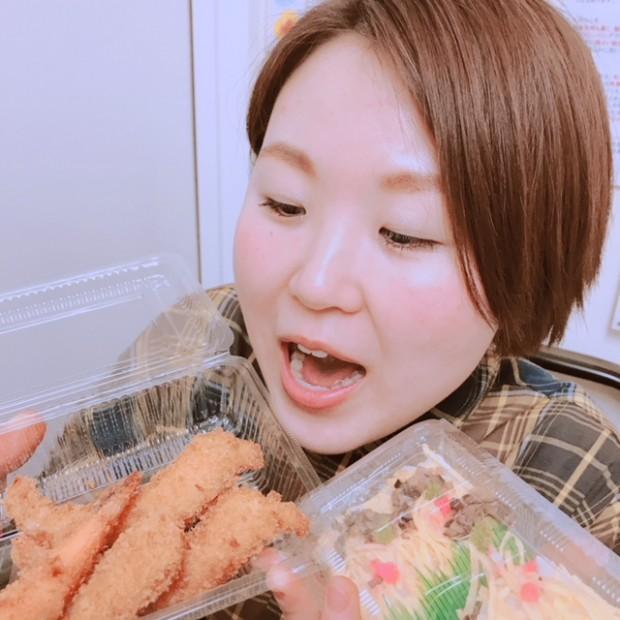 宮内串戸の 菊貞 の エビフライ♡ 揚げたて美味い♡